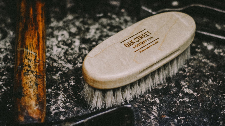 100% Horsehair Bristles American Maple Shoe Brush - Feature Image
