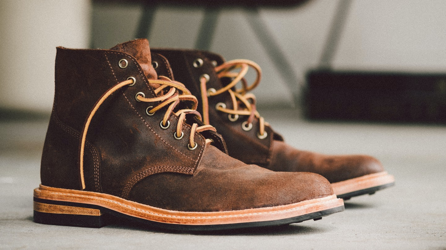Snuff Waxy Commander Field Boot - Feature Image